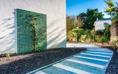 Une terrasse de caractère et une allée en harmonie pour ce projet au Pouliguen.